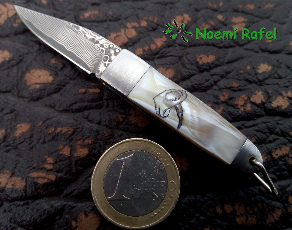 #engraver #engraved #engraving #handengraver #handengraved#handengraving #tattoo #art #artist #artistry #bespoke #elegance #flow#luxury #scrollwork #ornamental #filigree #banknote #customknife#knifecollector #collector #edc #everydaycarry #noemirafel#bespokeengraver #heirloom #modern #fineart #tactical #best#kanetsune#kanetsuneseki#scrimshaw#scrimshander#noemirafel
